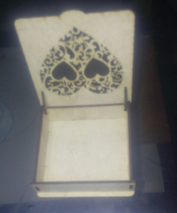 Laser Cut Wooden Gift Box 80x80mm Free DXF File